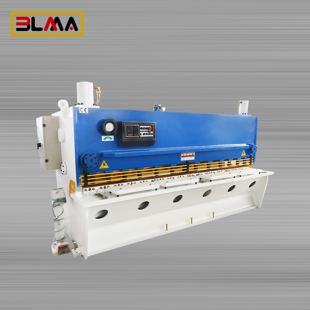 guillotine shearing machine